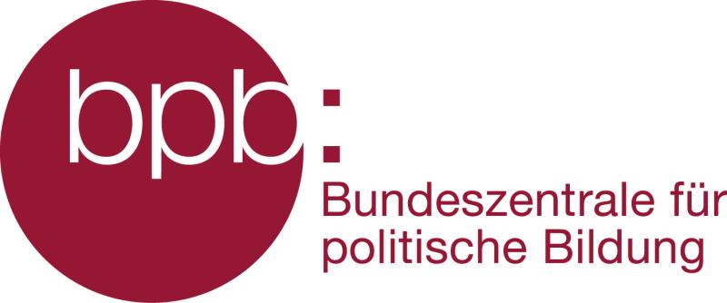 Zu sehen ist ein roter Kreis mit dem Schriftzug bpb, daneben der rote Schriftzug Bundeszentrale für politische Bildung auf weißem Hintergrund. Foto: Bundeszentrale für politische Bildung, Bonn/Berlin.